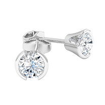 An exquisite pair of diamond earrings with round brilliant cut diamonds in 18ct white gold